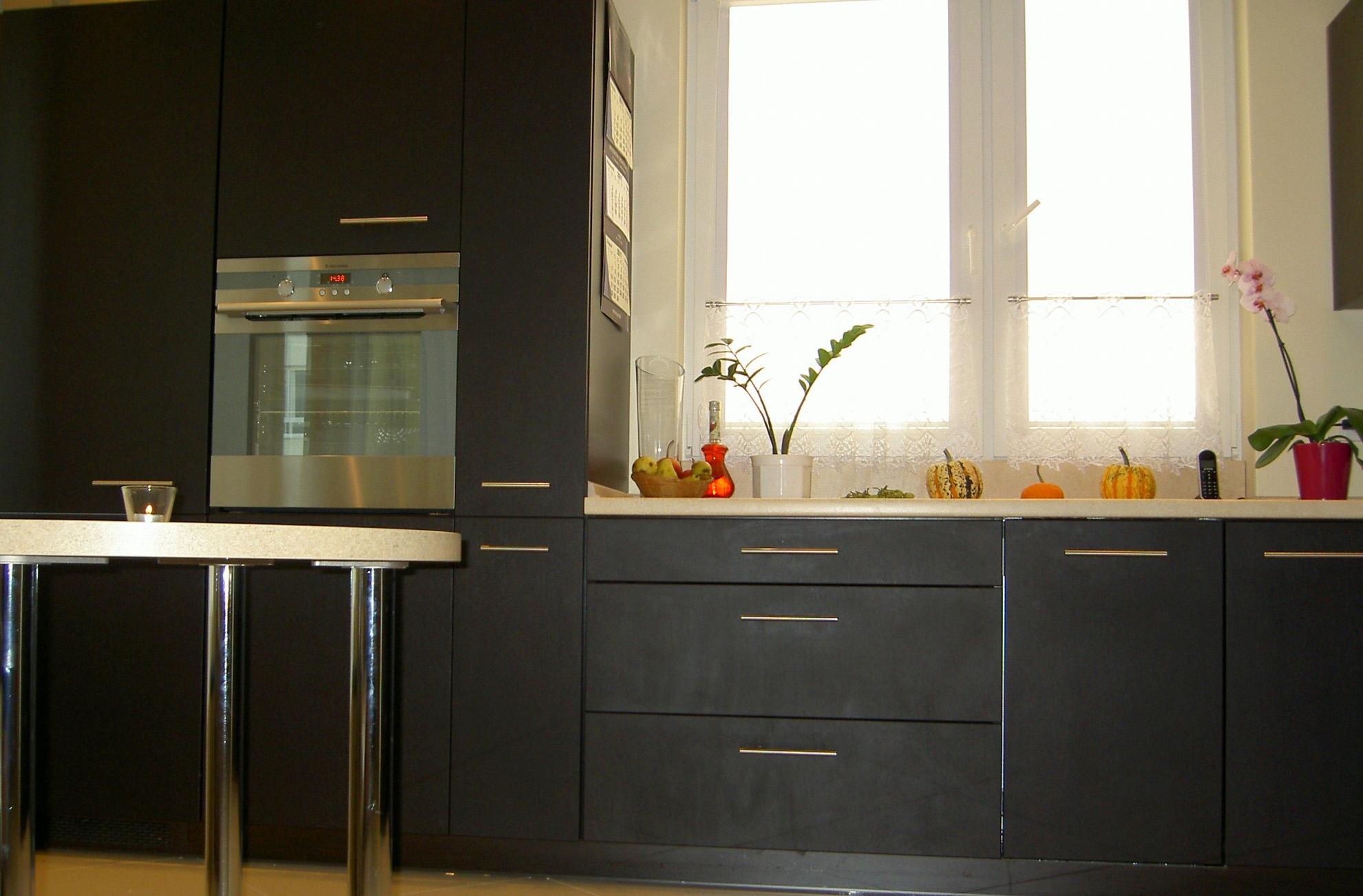 Meble kuchenne na wymiar, kuchnia czarna, meble kuchenne nowoczesne