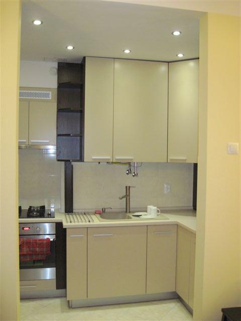 mala kuchnia w bloku, meble kuchenne zdjecia, montaż mebli   -> Kuchnia Na Wymiar Mala
