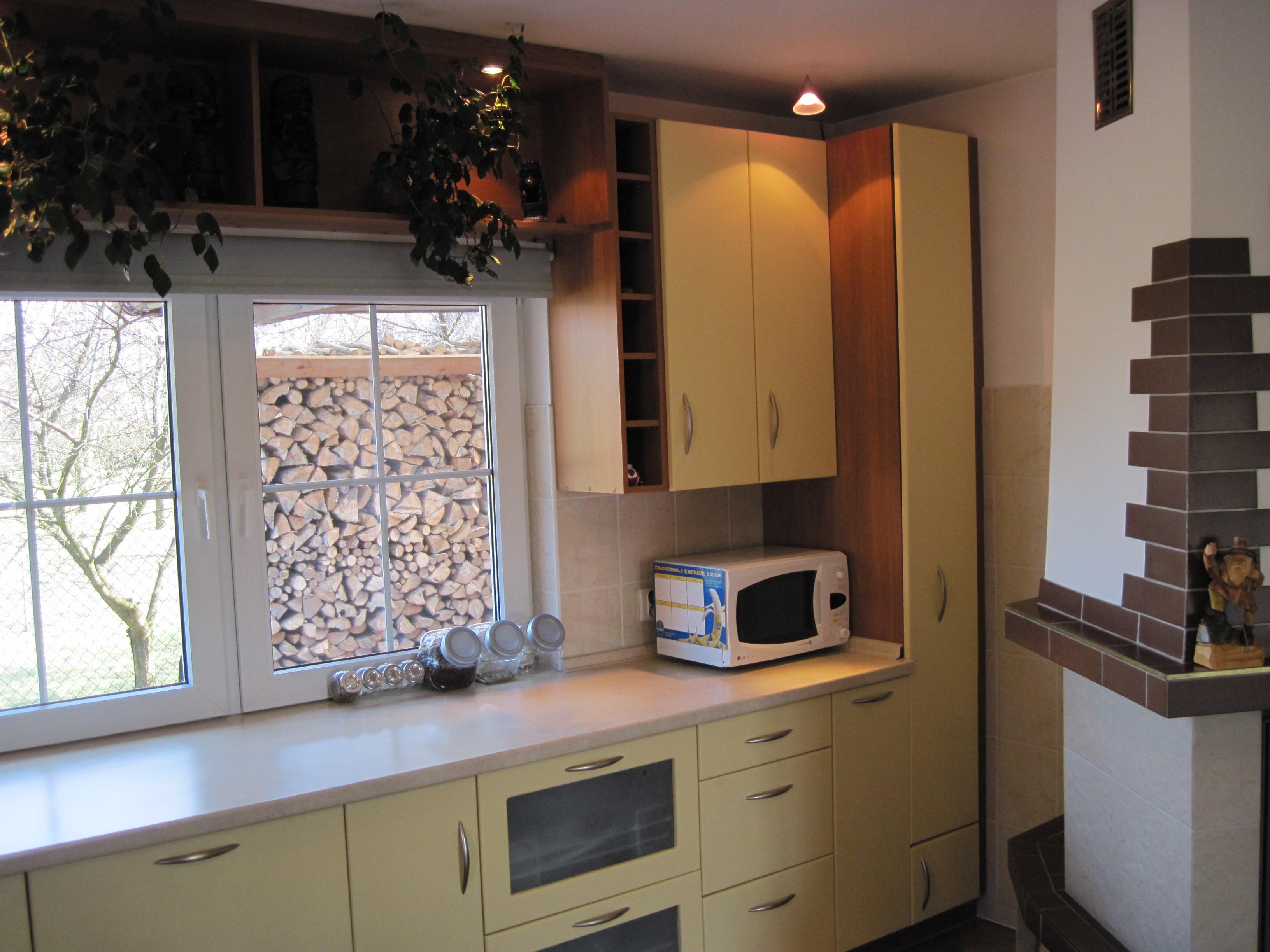 Aran acje kuchni otwartych meble kuchenne na wymiar for Kuchnia z salonem aranzacje