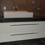 Szafka do łazienki, łazieka meble lakierowne, żabudowa umywalki nowoczesna