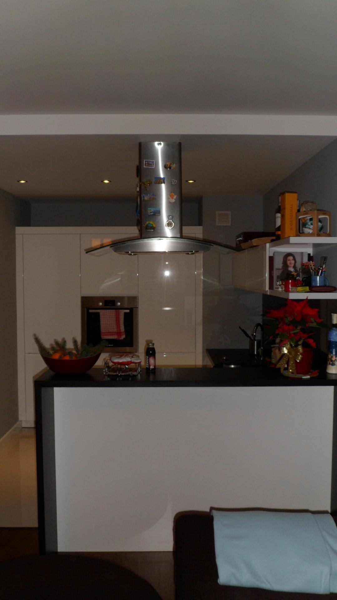 Meble kuchenne nowoczesne lakierowane na wysoki połysk z wyspą Łódź -> Kuchnie Nowoczesne Lakierowane Z Wyspą