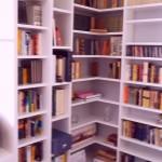 nowoczesna zabudowa biblioteki na wymiar